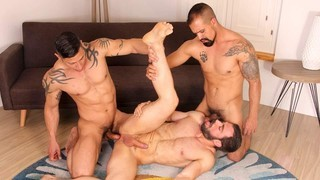 Hot Stuff: Dicey Place - Jose Quevedo, Julio Rey, Amir Dib