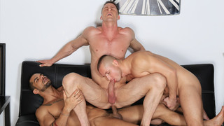 Full Of Spunk: Ivan Gregory, Denis Sokolov, Lucas Fox