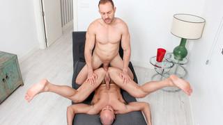 Harder: Mario Galeno, Devian