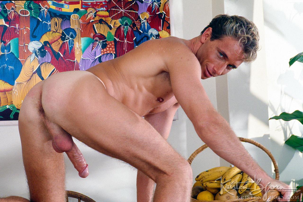Hung Gay Bareback Porn