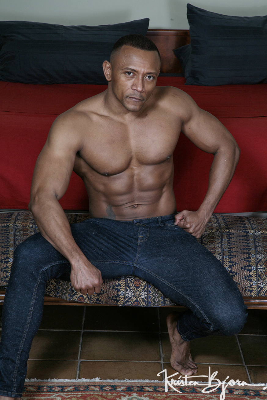 Casting Couch #427: Victor Ferraz, Santi Sexy - Gallery