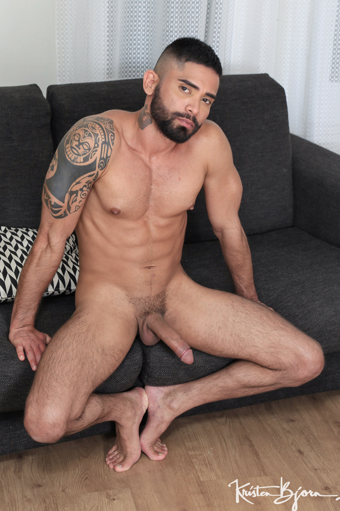 Casting Couch #435: Valdo Smith, Guido Plaza - Gallery