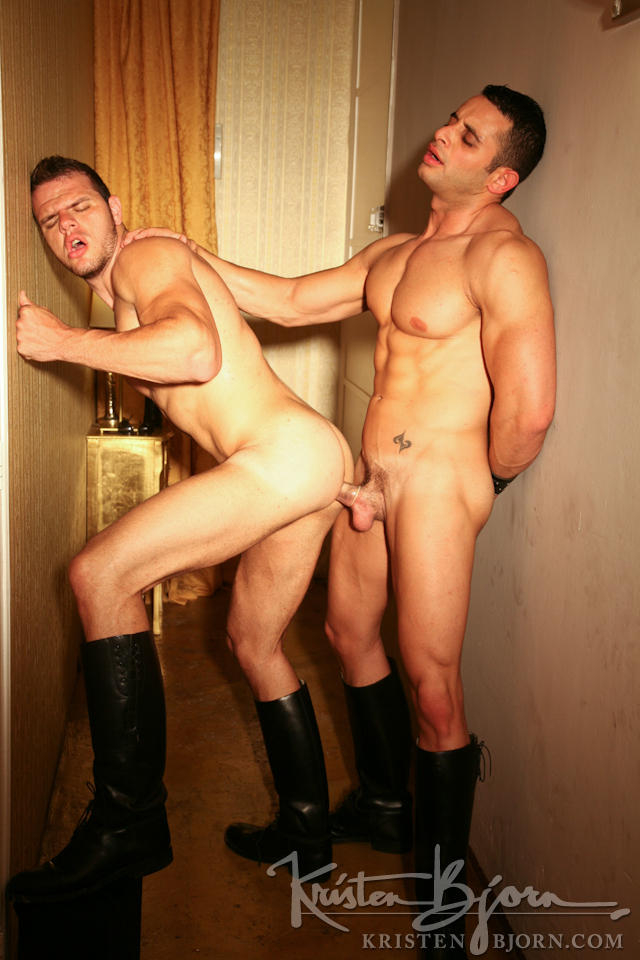 Casting Couch #125: Omar Costas, Peter Fill - Gallery