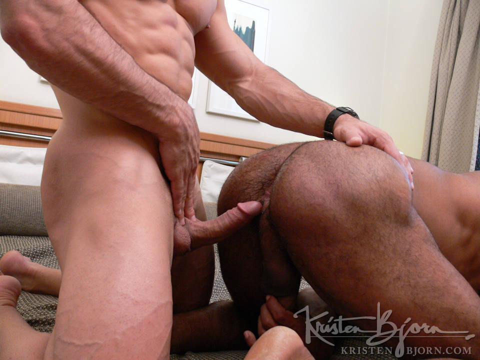 Casting Couch #141: Daniel Marvin, Douglas - Gallery