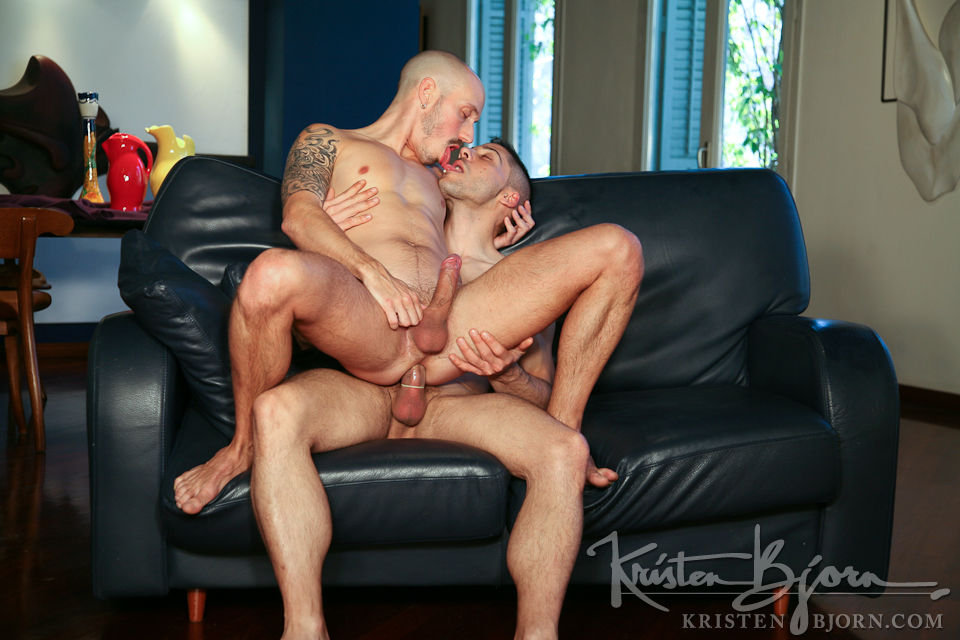 Casting Couch #201: Valentin Alsina, Raul Enguidanos - Gallery