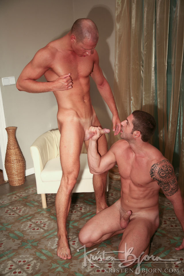 Casting Couch #213: Axel Brooks, Leo - Gallery