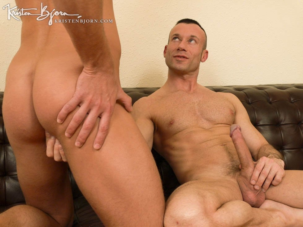 Casting Couch #17: Bruno Jones, Pierre - Gallery