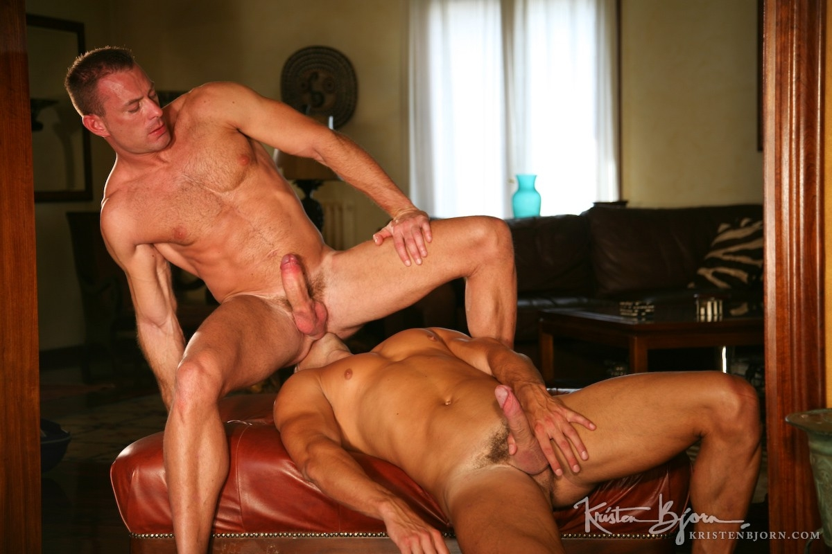 Casting Couch # 34: Carlos Caballero, Renzo Belli - Gallery