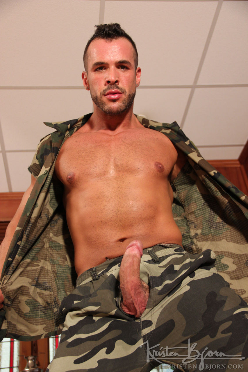 Madrid Stories - An Unexpected Visitor I: Denis Vega, Mateo Stanford - Gallery