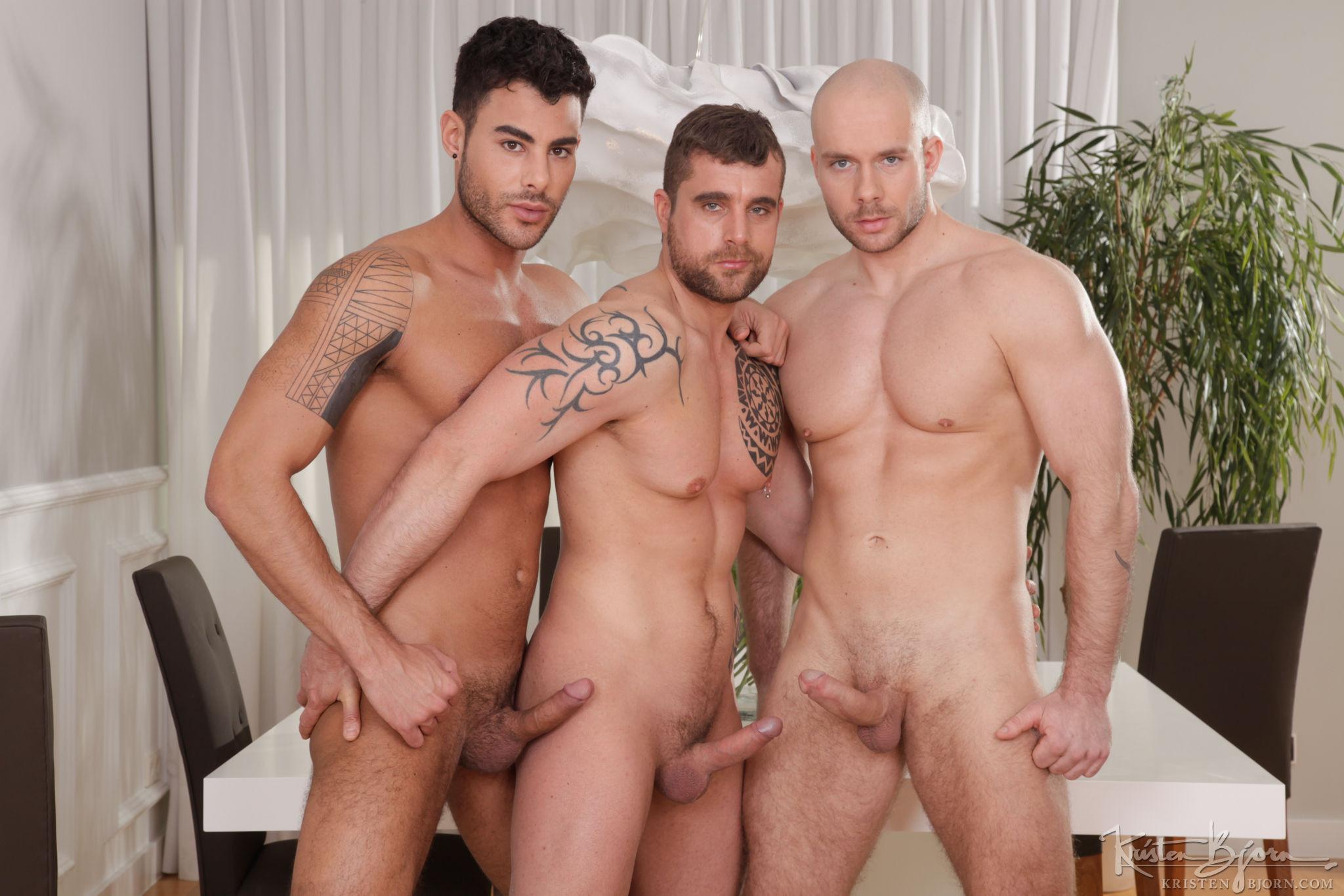 Skins: 3Some - Isaac Eliad, Jared, Marek Borek - Gallery