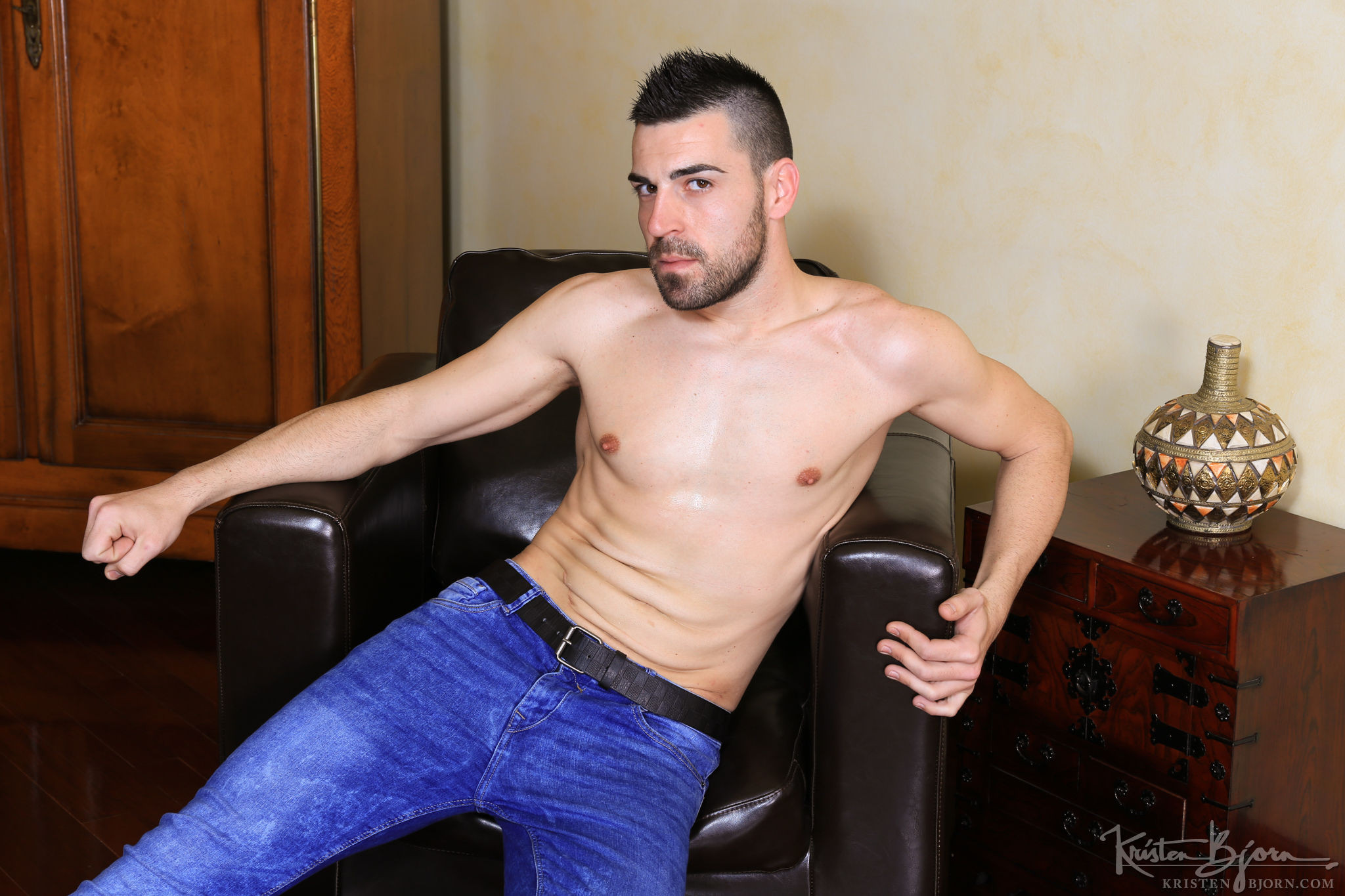 Casting Couch #351: Stephan Raw, Aaron Diaz - Gallery