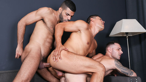 Meat Men: Giving One's All - Hugo Arenas, Aitor Bravo, John Rodriguez