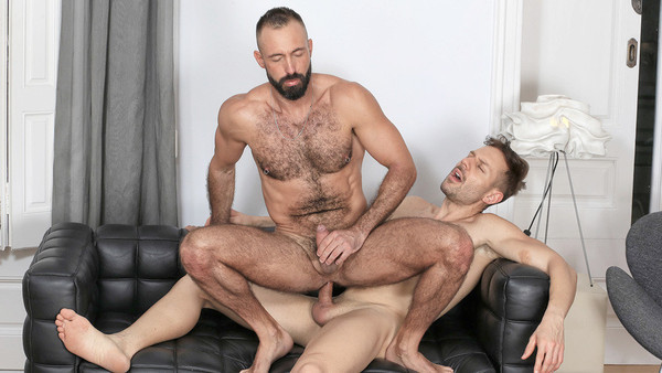 In The Hole: Xavi Garcia, Mario Galeno