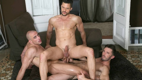 Three Of A Kind: Kris de Fabio, Marcos Oliveira, Diego Summers